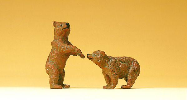 2 junge Braunbären