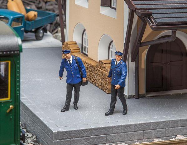 2 Zugbegleiter / pola 331906